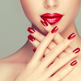 HAND TREATMENT & MANICURES